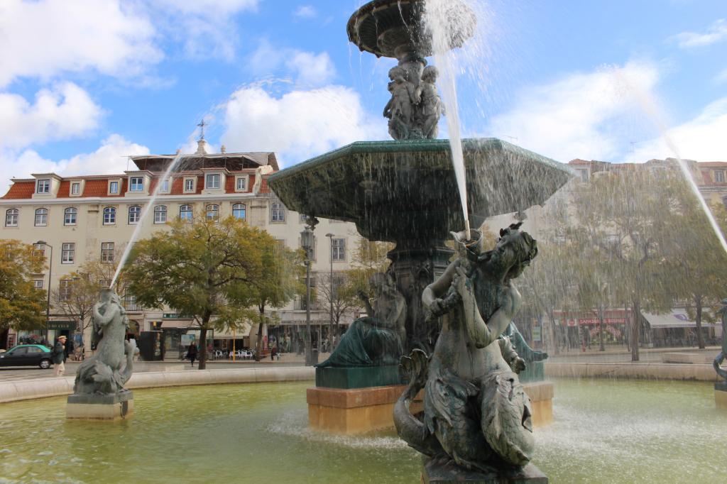 Lisbonne chiado_place_mademoiselle-e