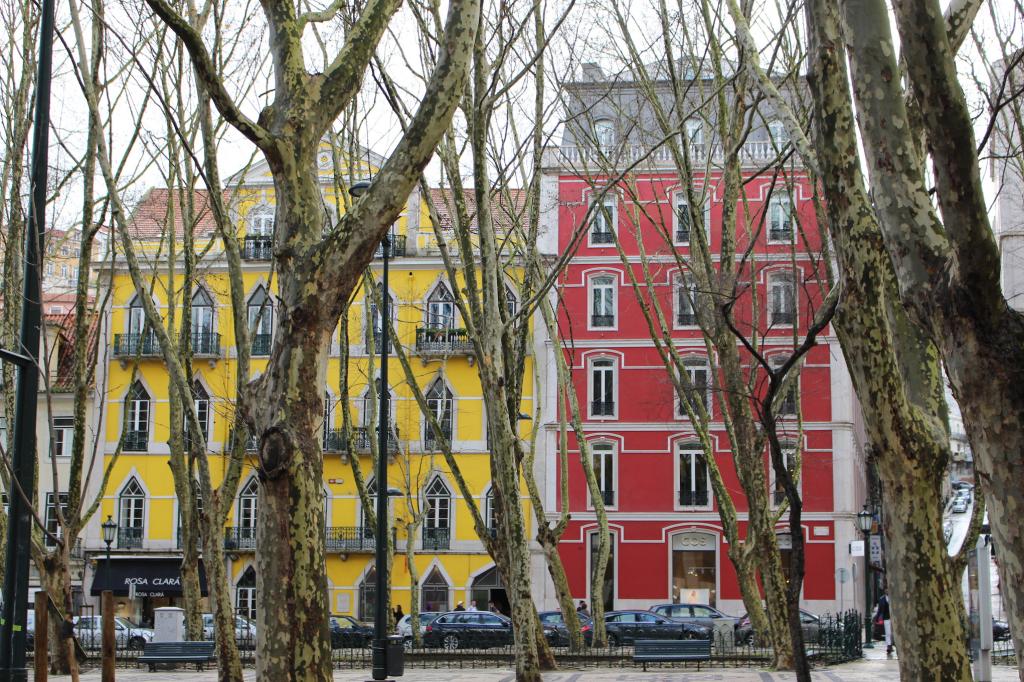 Lisbonne bairro_alto_facade3_mademoiselle-e