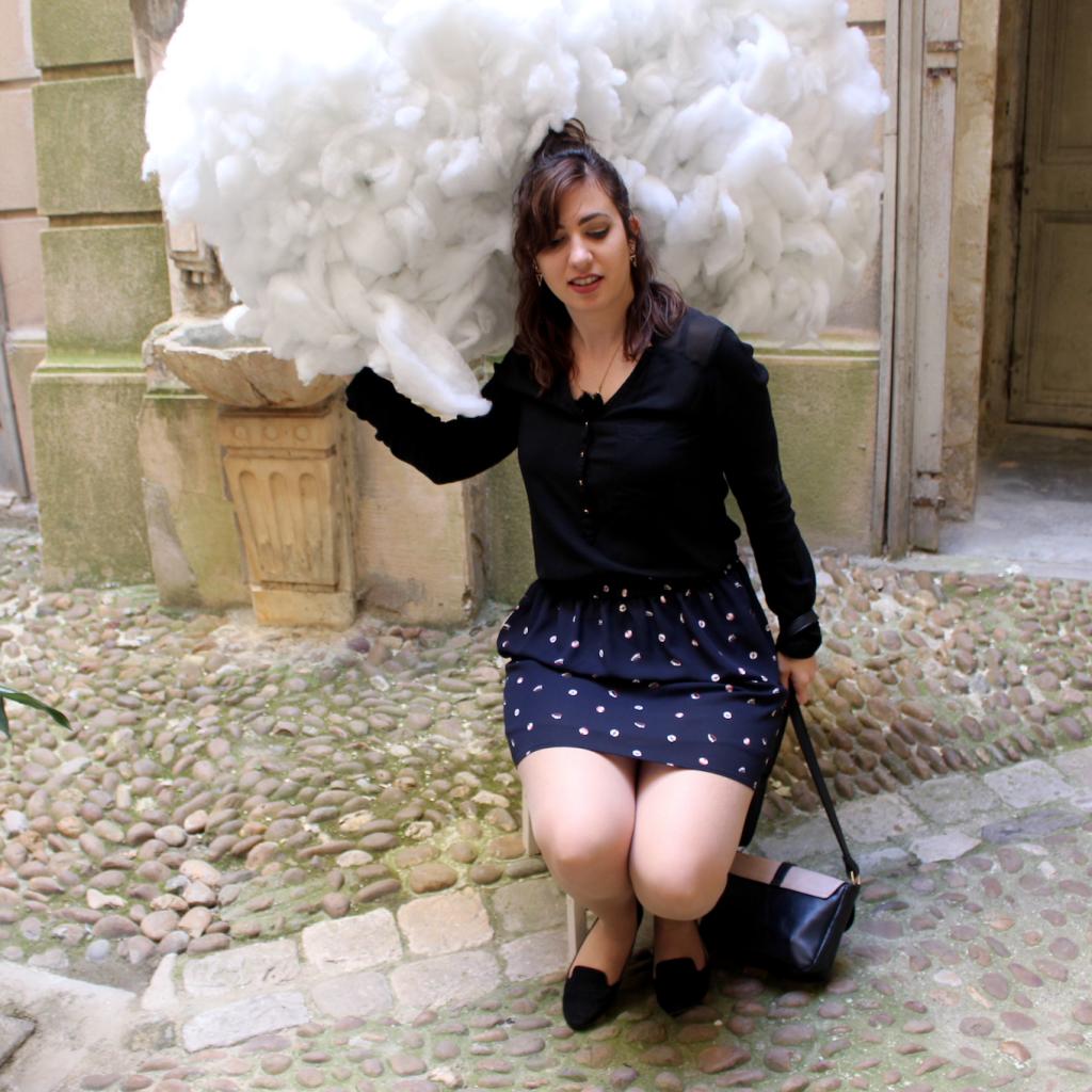 La tête dans les nuages pensive_mademoiselle-e