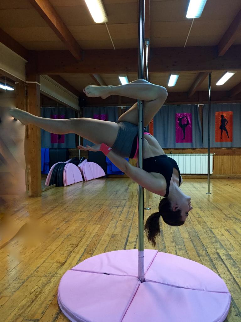 Pole dance gemini_mademoiselle-e