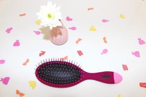 wet brush mademoiselle-e