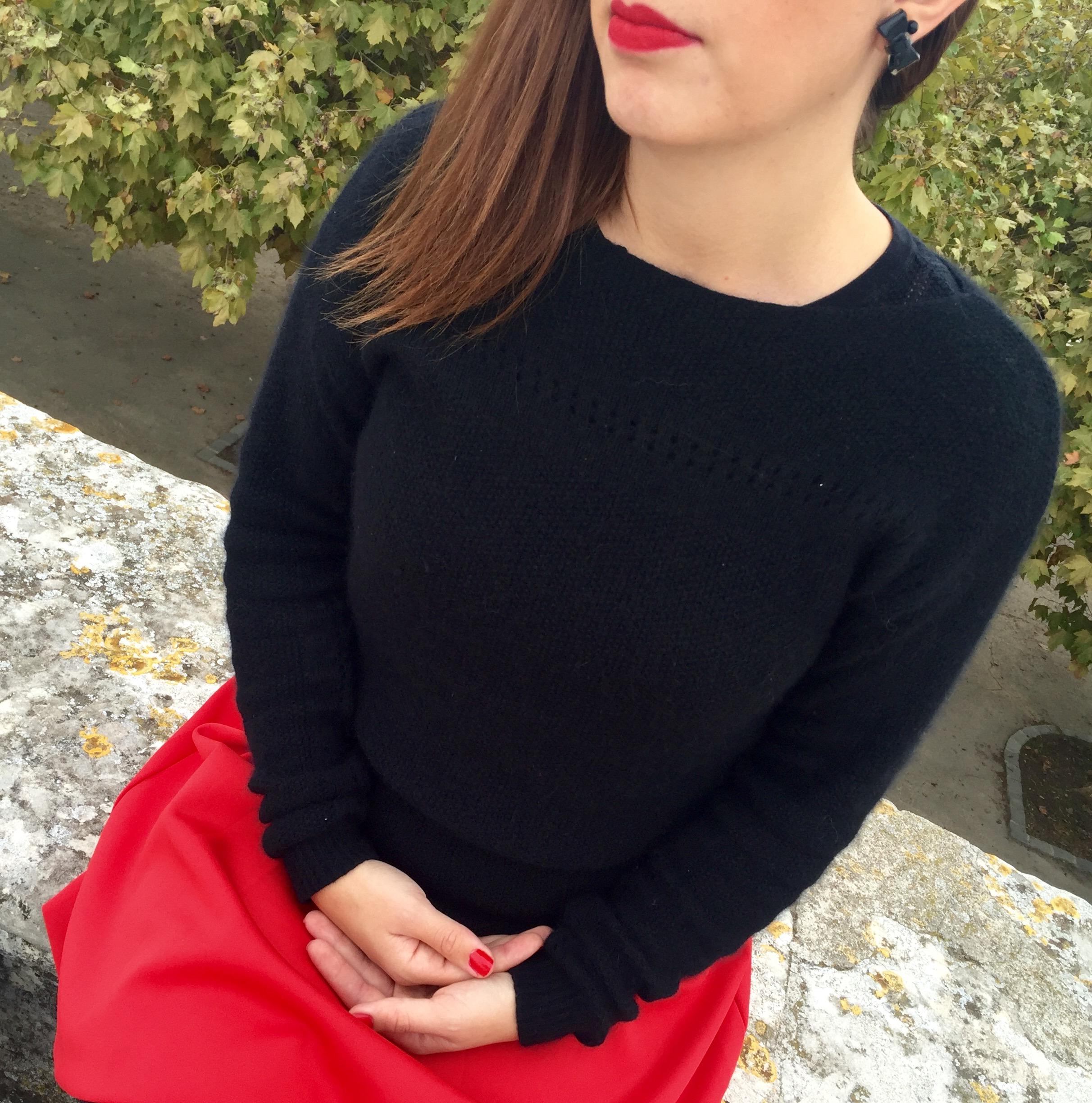 Jupe rouge – détails BO