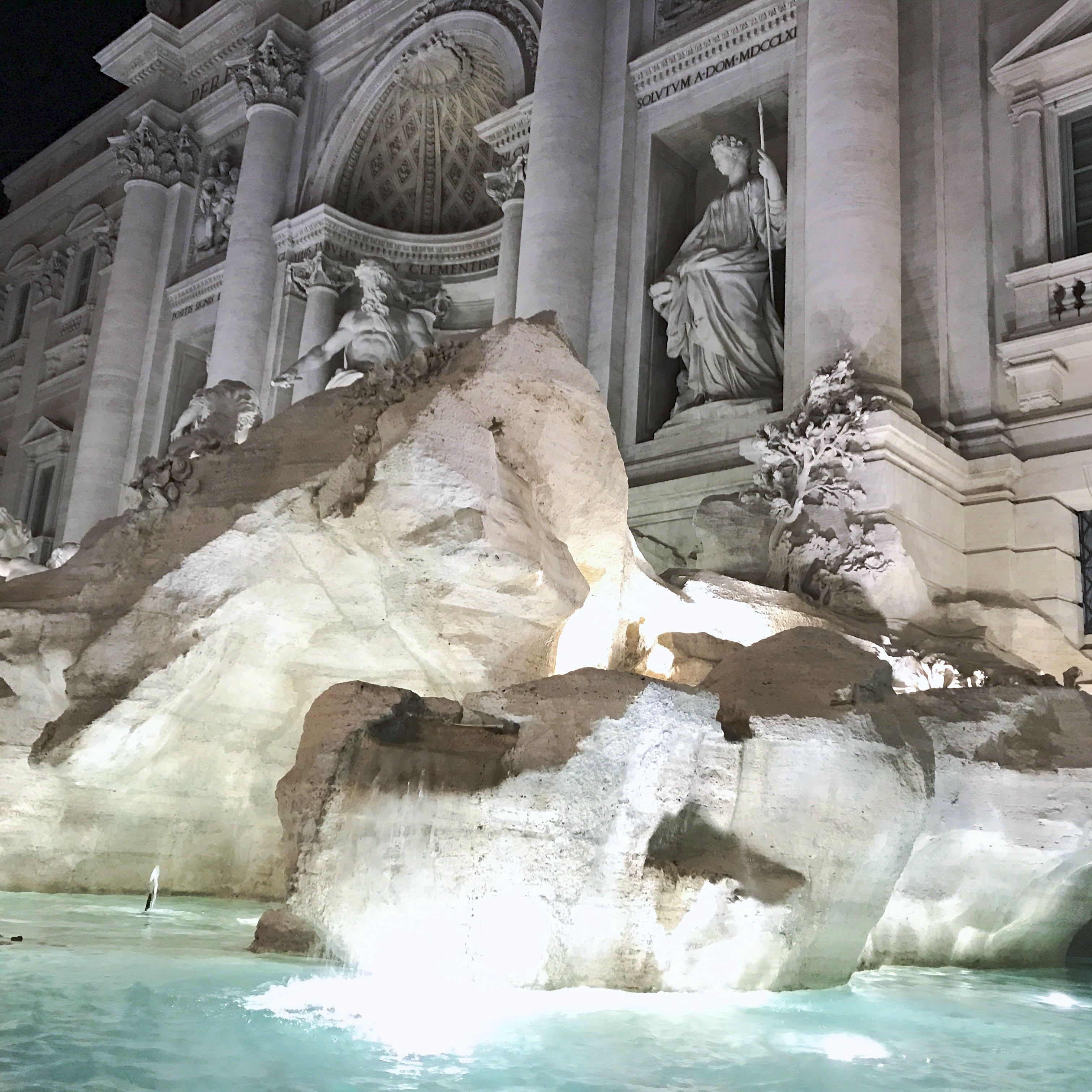 Rome city guide fontaine de trevi mademoiselle-e