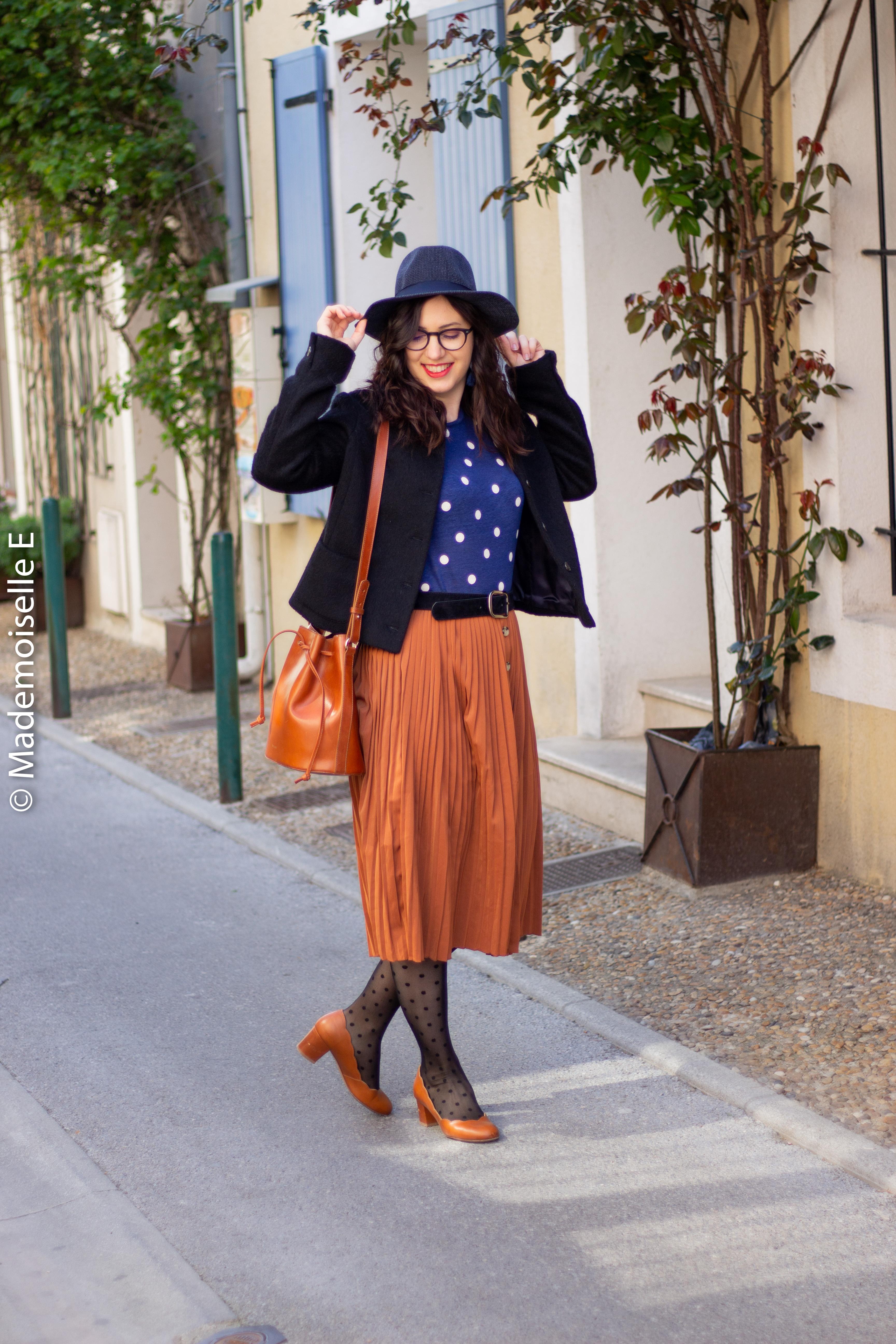 blog-mode-femme-jupe-midi-plissée-camel-1-mademoiselle-e