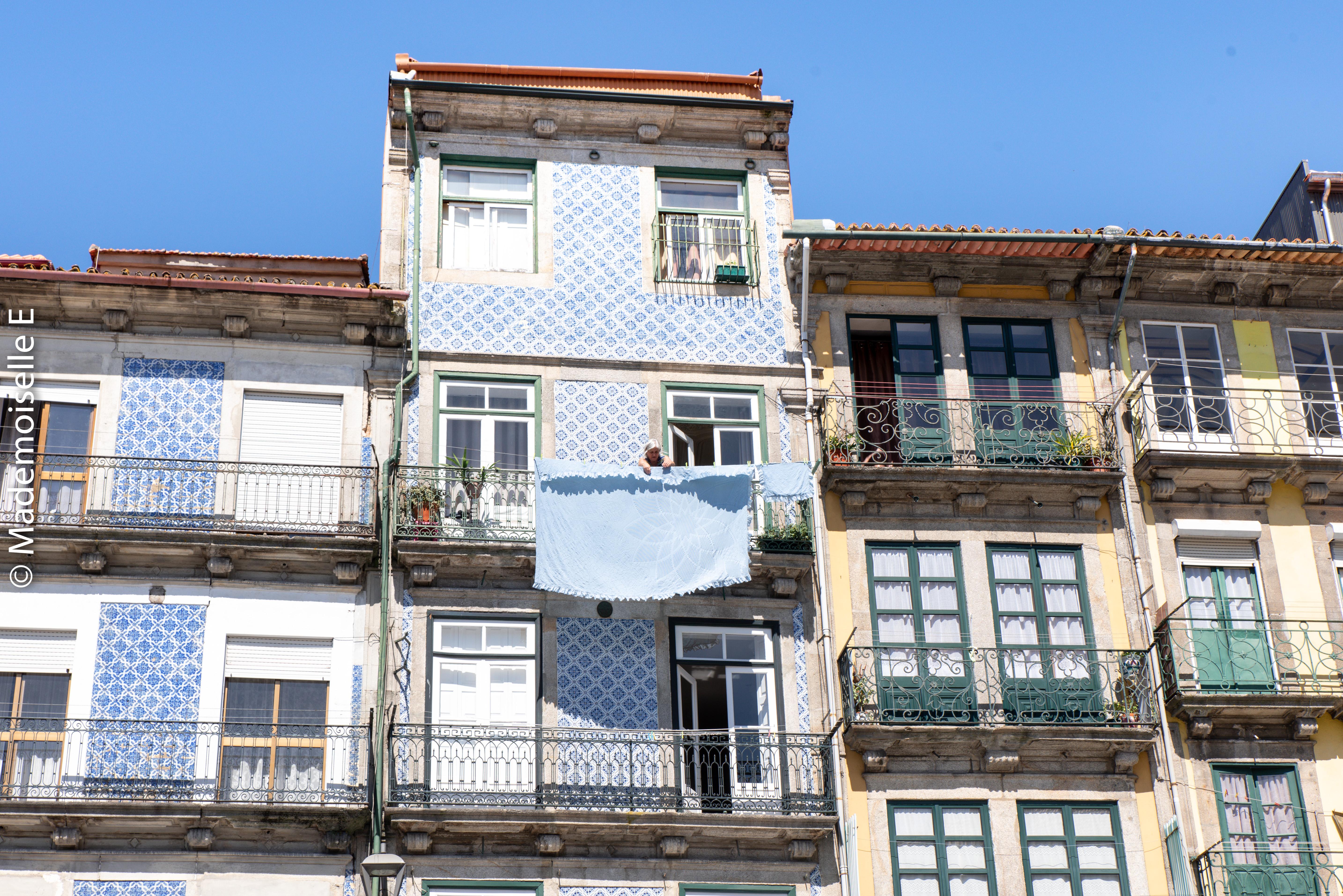 city_guide_porto_facade_mamie_linge_2_mademoiselle-e