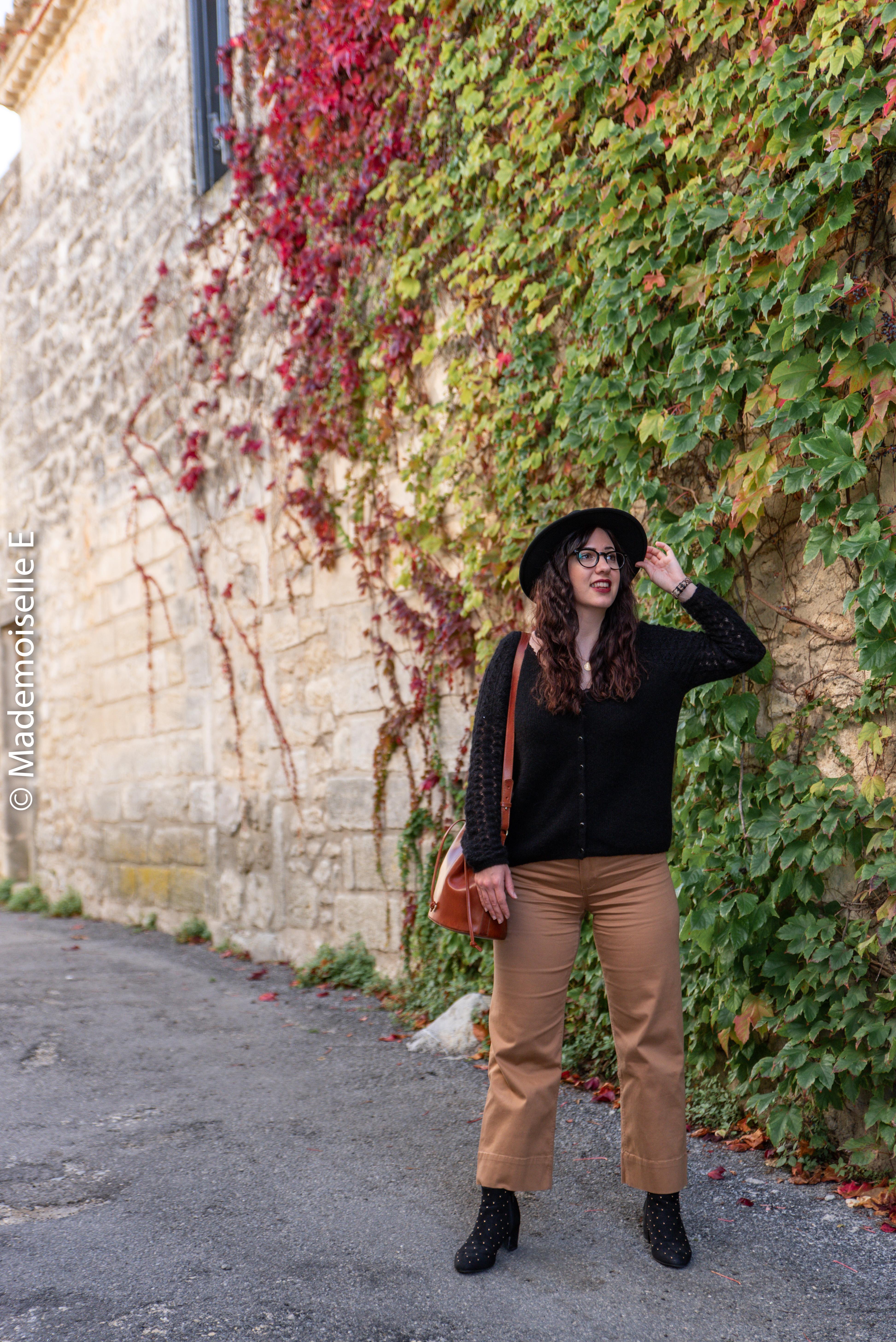 pantalon-camel-7/8-mango-gilet-sesame-16-mademoiselle-e
