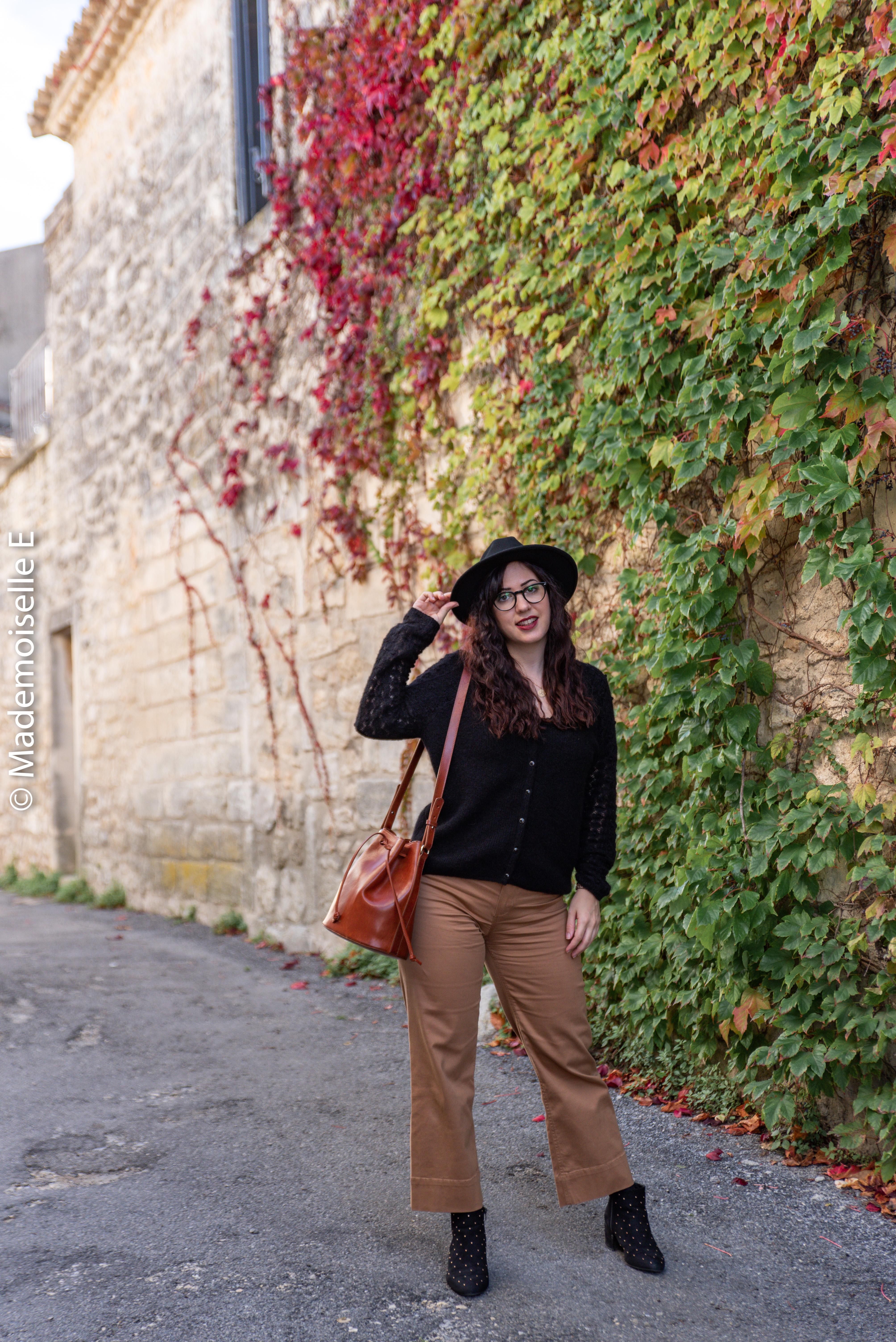 pantalon-camel-7/8-mango-gilet-sesame-14-mademoiselle-e
