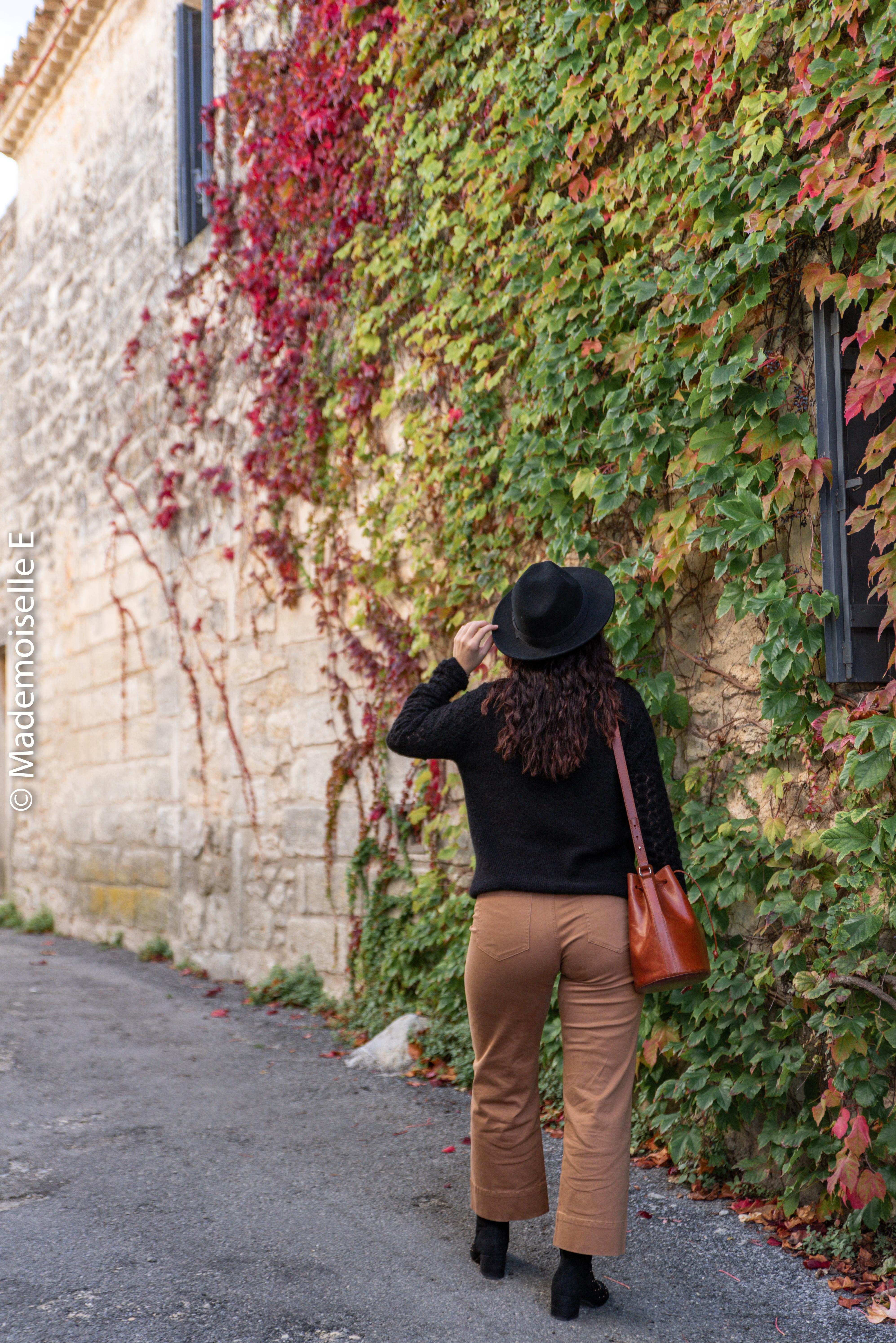 pantalon-camel-7/8-mango-gilet-sesame-13-mademoiselle-e