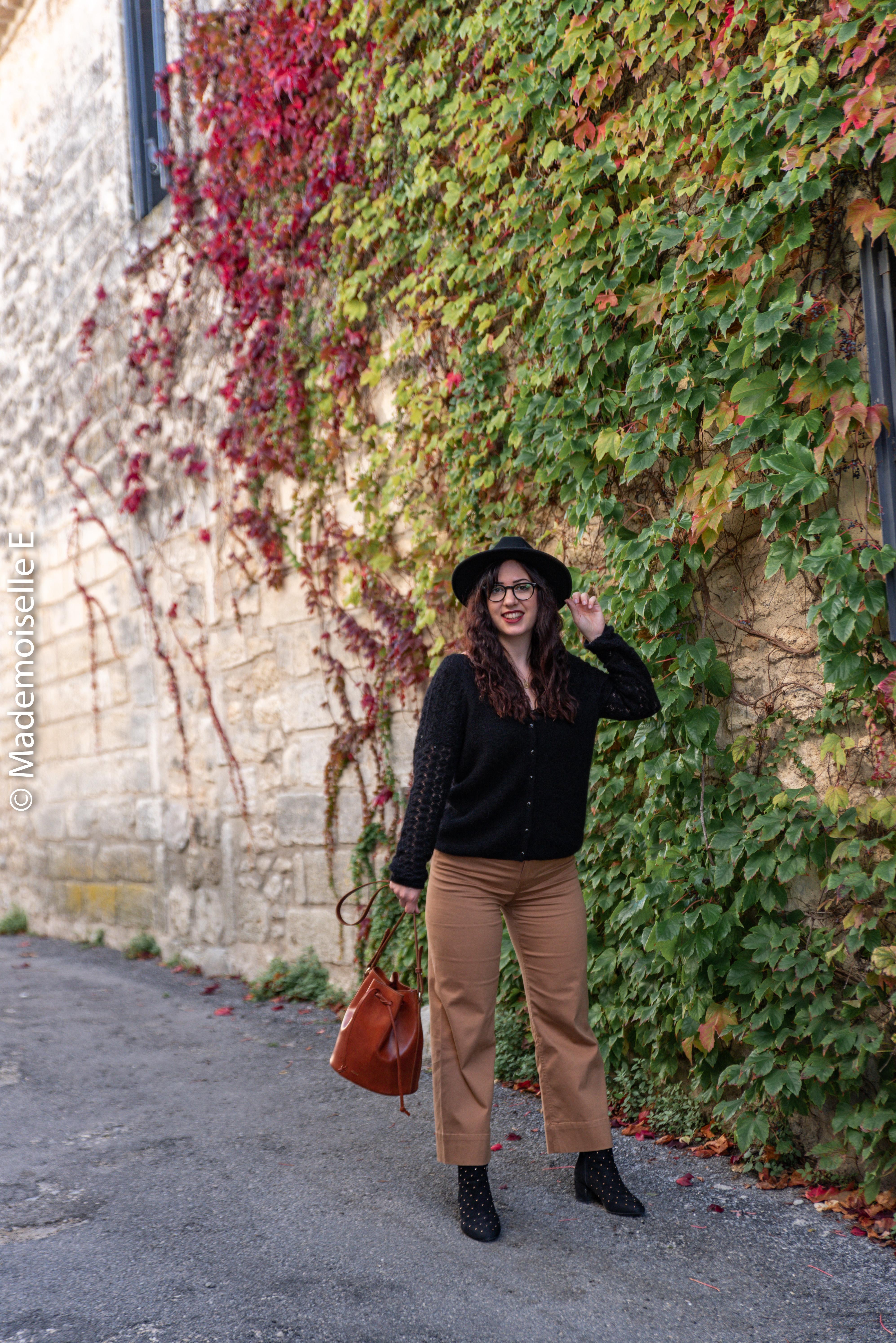 pantalon-camel-7/8-mango-gilet-sesame-12-mademoiselle-e