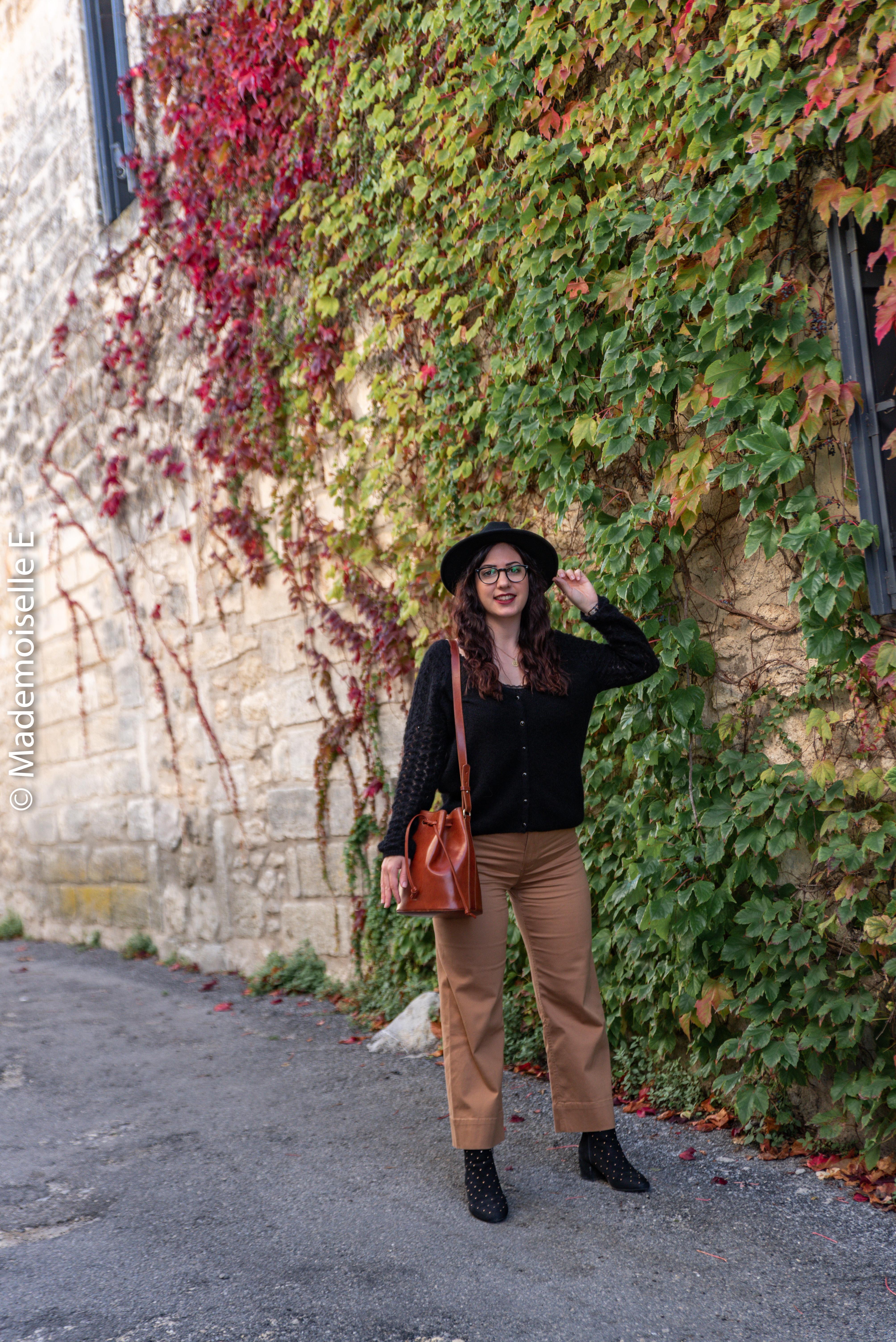 pantalon-camel-7/8-mango-gilet-sesame-11-mademoiselle-e