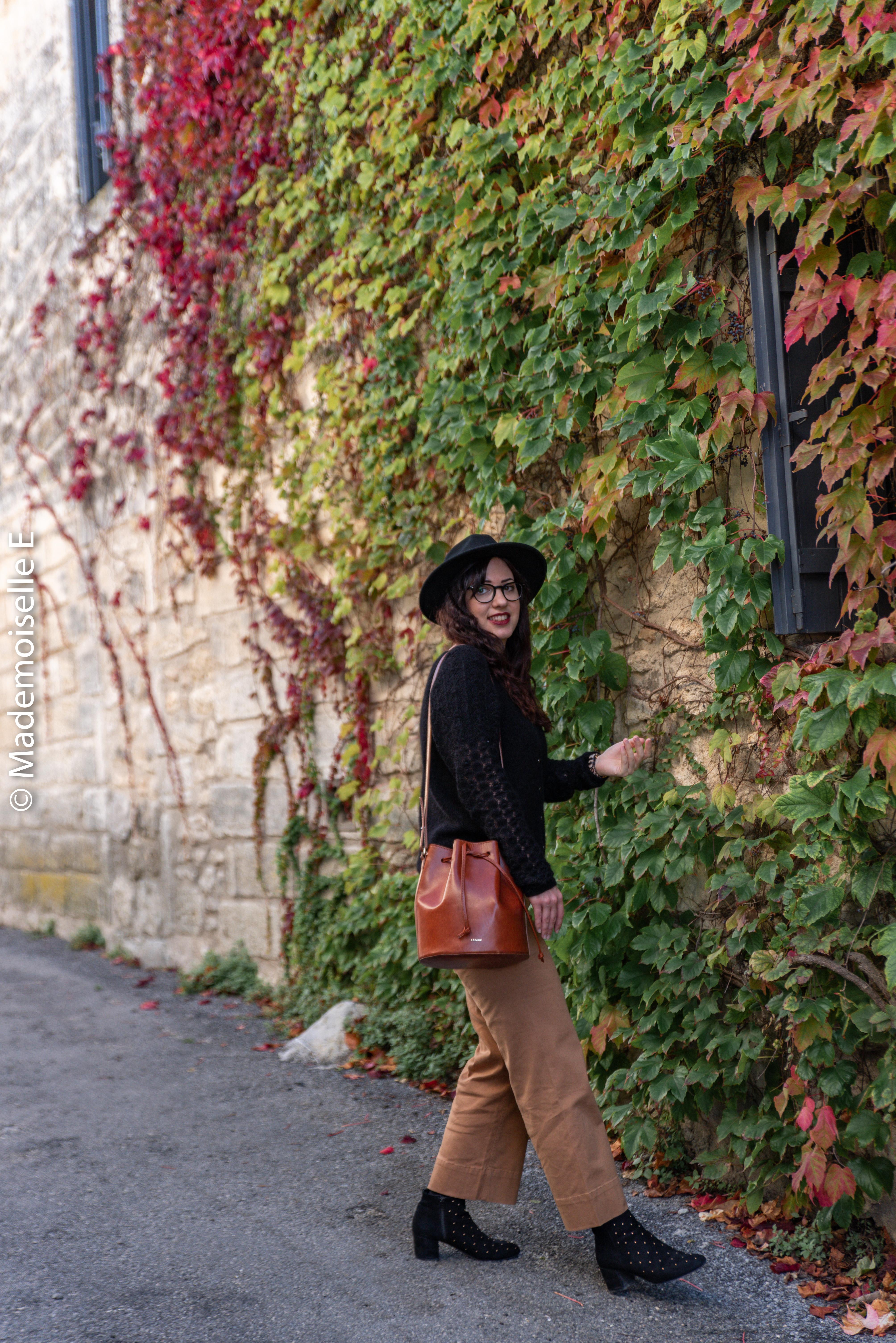 pantalon-camel-7/8-mango-gilet-sesame-8-mademoiselle-e